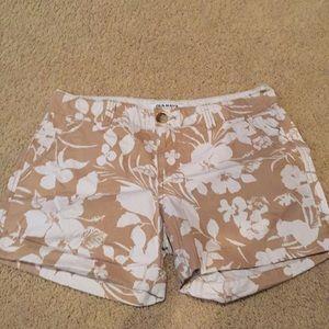 Old Navy khaki flower print shorts